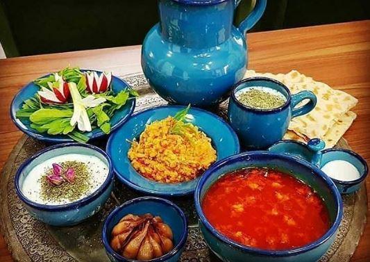 غذا در ظروف سفالی